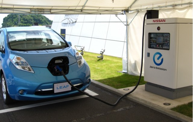 2011 Nissan Leaf at quick-charging station