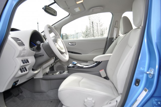 want to keep your 2012 nissan leaf clean inside here 39 s how. Black Bedroom Furniture Sets. Home Design Ideas