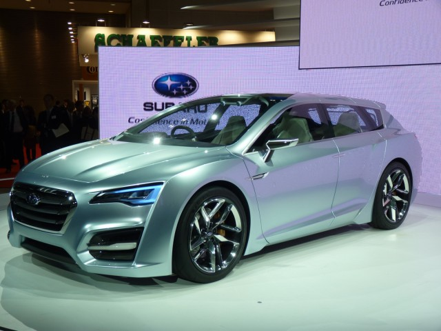 http://images.thecarconnection.com/med/2011-subaru-advanced-tourer-concept_100372072_m.jpg
