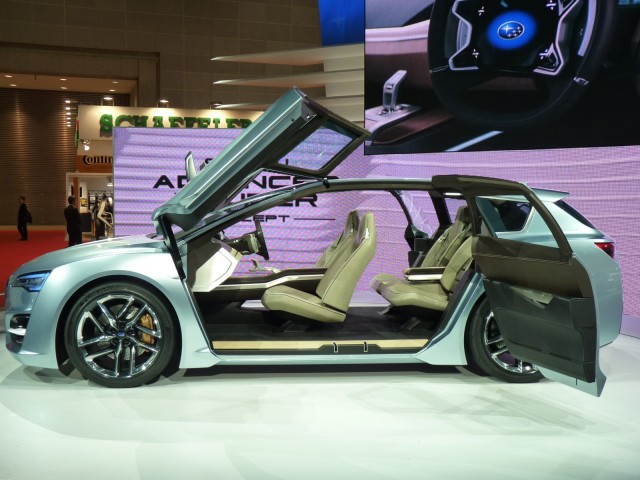 http://images.thecarconnection.com/med/2011-subaru-advanced-tourer-concept_100372089_m.jpg
