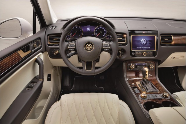 Volkswagen Touareg Gold Edition #8948049