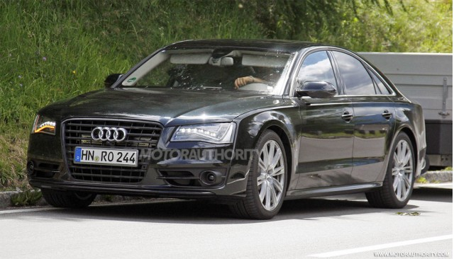 http://images.thecarconnection.com/med/2012-audi-s8-spy-shots_100357502_m.jpg