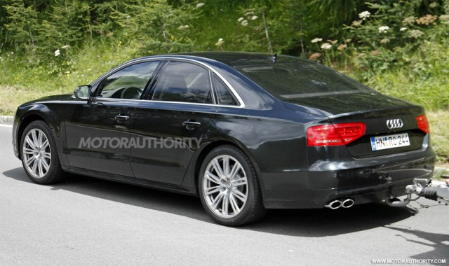 http://images.thecarconnection.com/med/2012-audi-s8-spy-shots_100357506_m.jpg