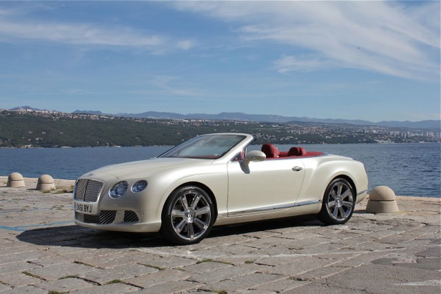Bentley Continental GTC 2012... : Videos | Drive Away 2Day