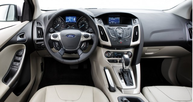 2012 ford focus myford versus myford touch for Interieur ford focus