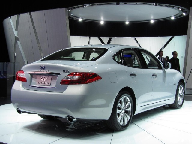 2012 Infiniti M Hybrid, at the 2010 Los Angeles Auto Show #7528414