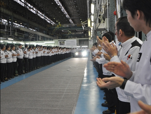 First production 2012 Lexus LFA rolls off the line #8475917