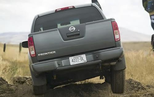 2015 Nissan Frontier submited images.