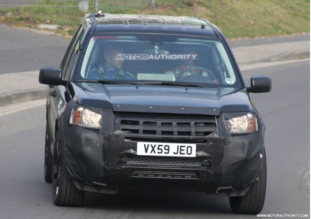 زبى مولع http://www.motorauthority.com/pictures/1044958_report-land-rover-to-join-two-wheel-drive-ranks-with-2012-lrx_gallery-1