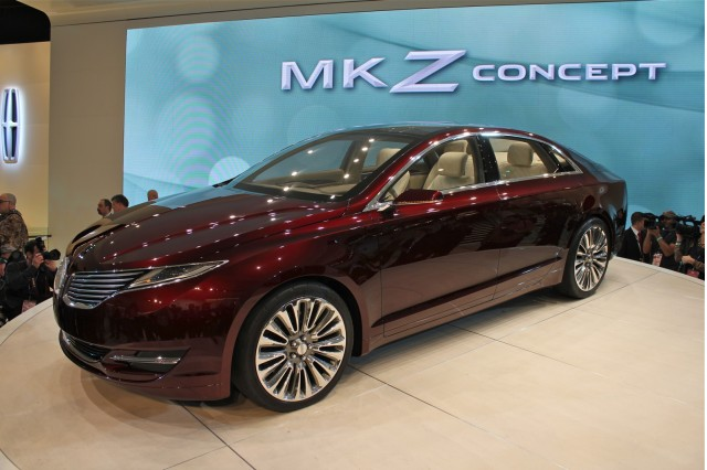 2013 Lincoln MKZ Preview: 2012 Detroit Auto Show Live Photos