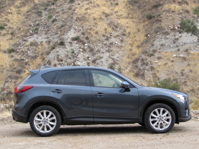 2013 mazda cx 5 compact crossover on test drive southern california nov 2011. Black Bedroom Furniture Sets. Home Design Ideas