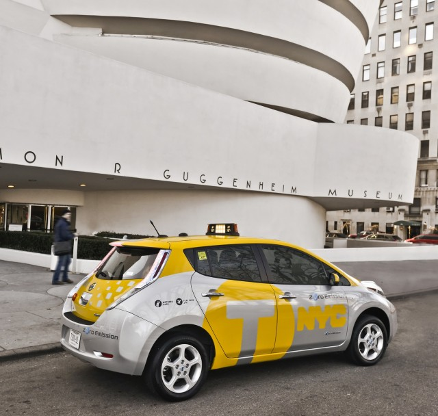 2013 Nissan Leaf electric car tested as taxi in New York City, April 2013 #9356850