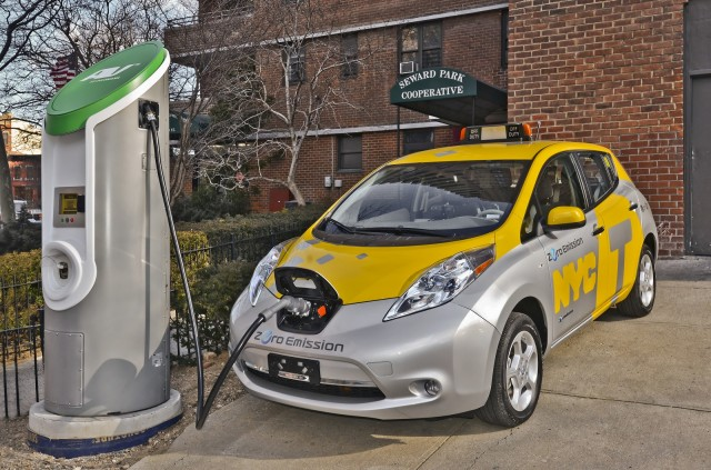 2013 Nissan Leaf electric car tested as taxi in New York City, April 2013 #7095305