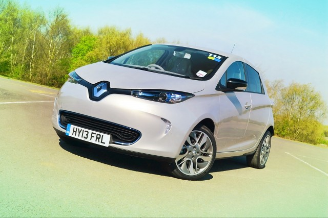 renault zoe electric car first drive of europe 39 s leaf alternative. Black Bedroom Furniture Sets. Home Design Ideas