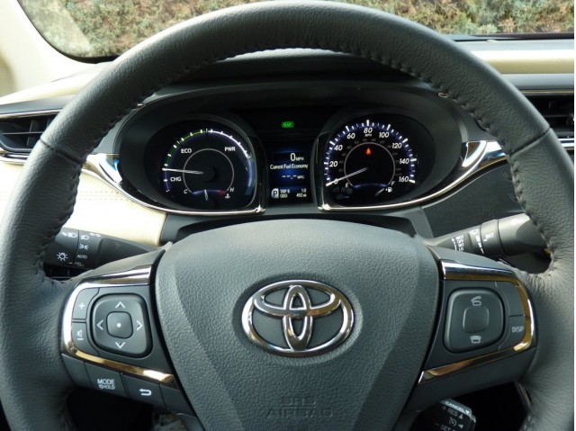 2013 Toyota Avalon Hybrid - First Drive, 10/2012 #9214907