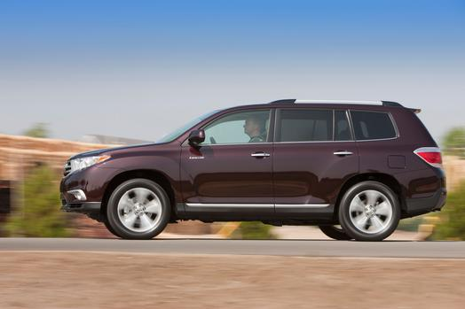 2013 toyota highlander review ratings specs prices and photos the car connection. Black Bedroom Furniture Sets. Home Design Ideas
