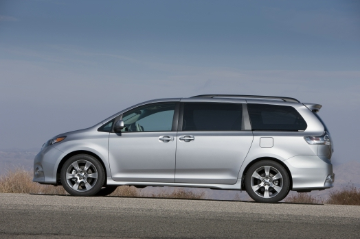 2013 toyota sienna to drop four cylinder model. Black Bedroom Furniture Sets. Home Design Ideas