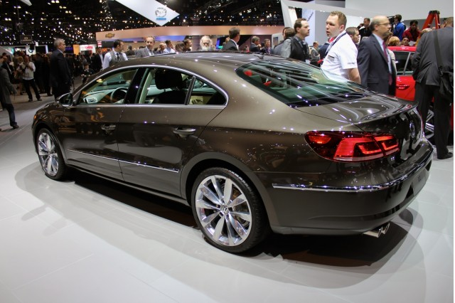 2013 Volkswagen CC: Mid-Size Luxury Sedan Debuts At 2011 ...