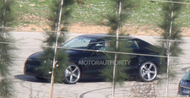 Audi Q7 Spy Photos The New Audi Q7  Release Date and Price