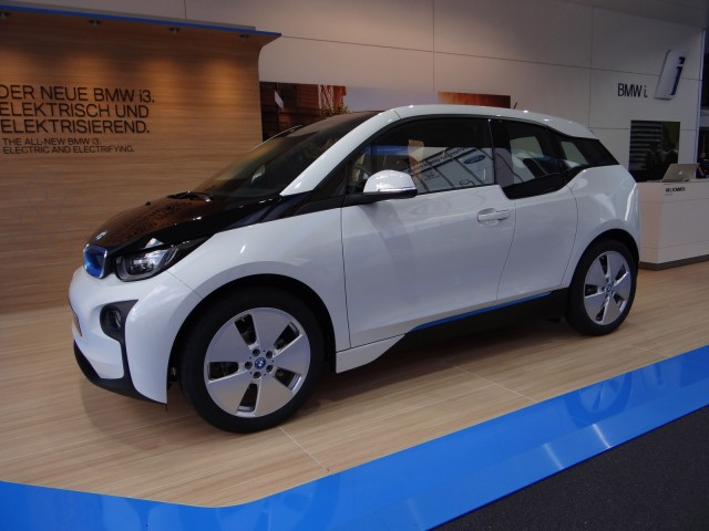 2014 BMW i3 With Range Extender Priced At $46,125, Or ...
