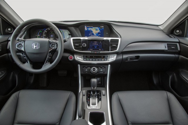 2014 Honda Accord Hybrid: Video Road Test