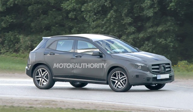 2014 mercedes benz gla spy shots with interior gallery for 2014 mercedes benz gla class