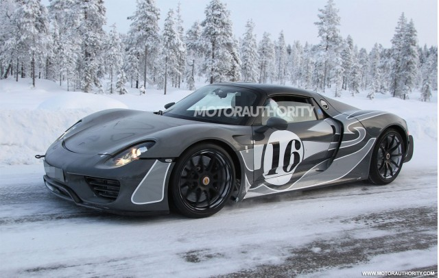 porsche 918 spyder in the valley of fire video gallery 1 motorauthority. Black Bedroom Furniture Sets. Home Design Ideas