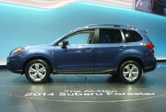 http://images.thecarconnection.com/med/2014-subaru-forester_100410709_m.jpg