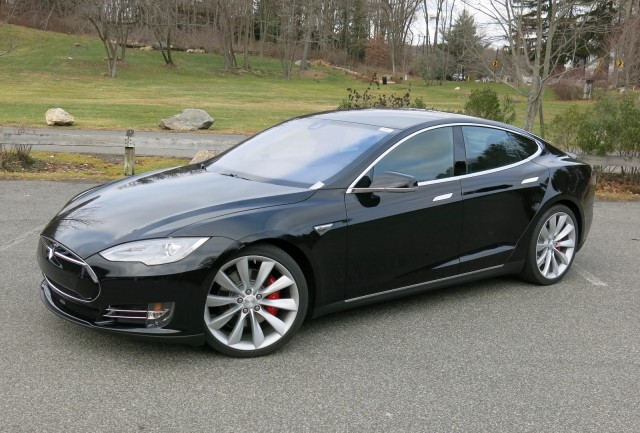 tesla p85d top speed performance to be boosted in 39 next few months 39. Black Bedroom Furniture Sets. Home Design Ideas