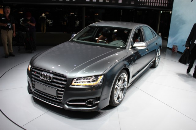 lighter composite wheels cut weight of new 2015 audi a8. Black Bedroom Furniture Sets. Home Design Ideas