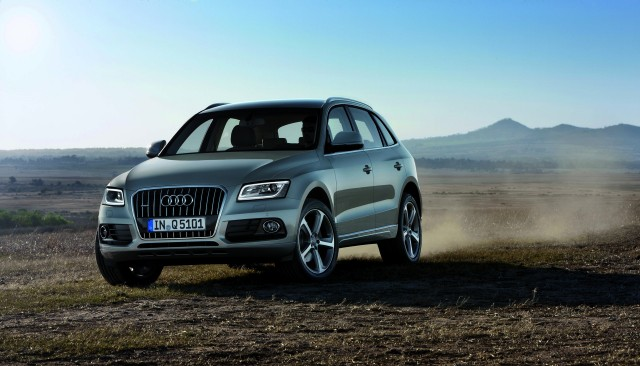 2015 audi q5 pictures photos gallery motorauthority. Black Bedroom Furniture Sets. Home Design Ideas