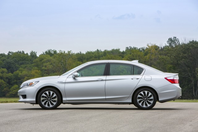 2015 honda accord hybrid review ratings specs prices and photos the car connection. Black Bedroom Furniture Sets. Home Design Ideas