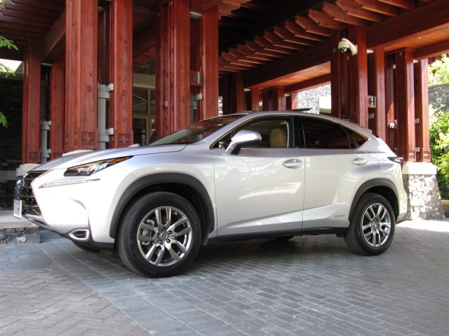 2015 lexus nx 300h hybrid first drive of luxury compact utility vehicle gallery 1 green car. Black Bedroom Furniture Sets. Home Design Ideas