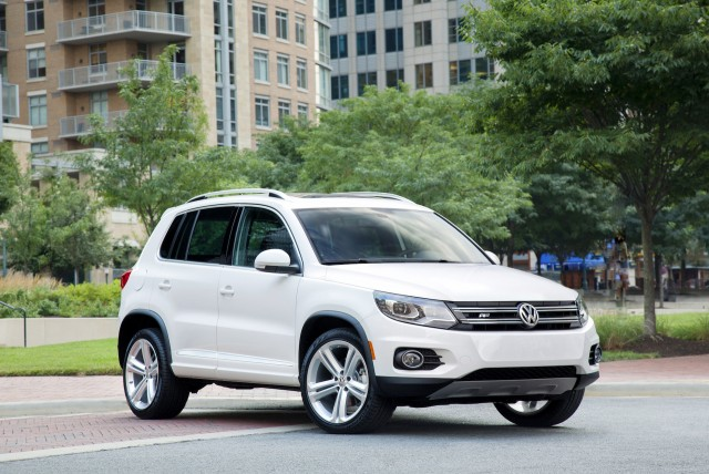 2015 volkswagen tiguan vw review ratings specs prices and photos the car connection. Black Bedroom Furniture Sets. Home Design Ideas