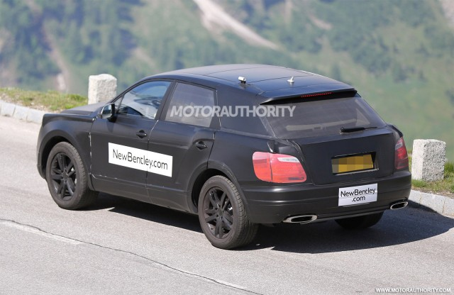 2015 - [Bentley] Bentayga - Page 2 2016-bentley-suv-spy-shots_100469187_m