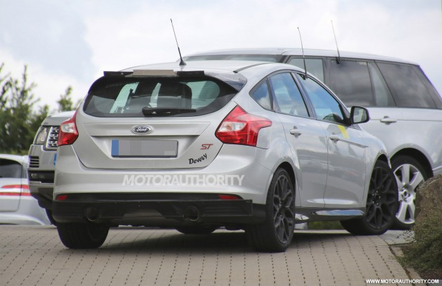 2016 ford focus rs coming with all wheel drive report gallery 1 motorauthority. Black Bedroom Furniture Sets. Home Design Ideas