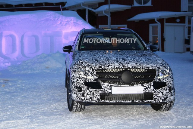 2016 Mercedes-Benz GLC (GLK-Class) spy shots - Image via S. Baldauf/SB ...