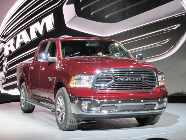 2015 ram 1500 laramie limited 2015 chicago auto show gallery 1 motorauthority. Black Bedroom Furniture Sets. Home Design Ideas
