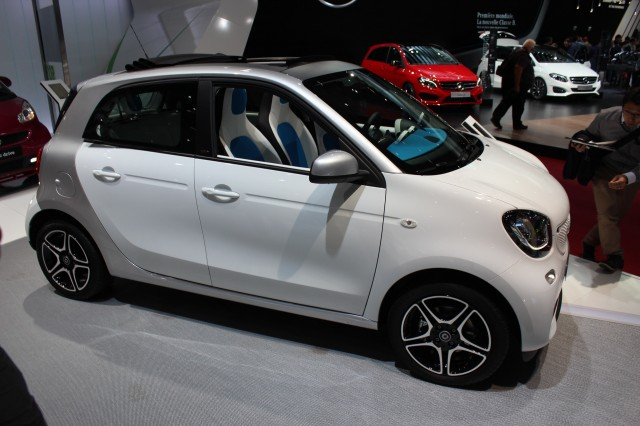 2016 smart fortwo cabrio spy shots. Black Bedroom Furniture Sets. Home Design Ideas
