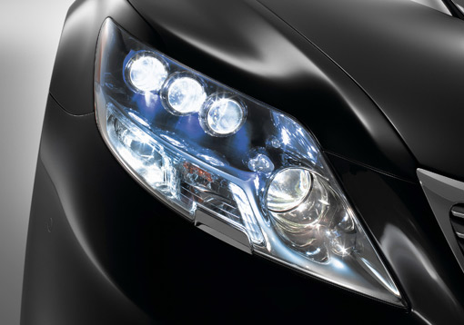 A Look At The New Led Headlights On The Lexus Ls600h 100219754 M
