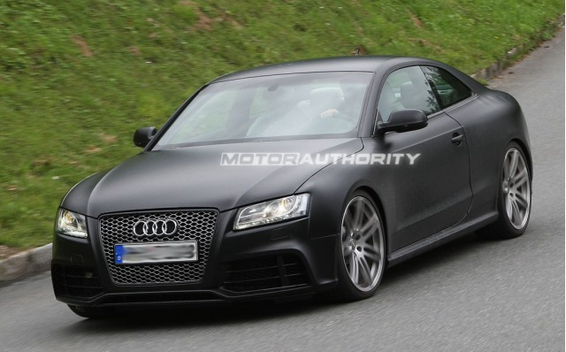 Spy Shots 2011 Audi Rs5