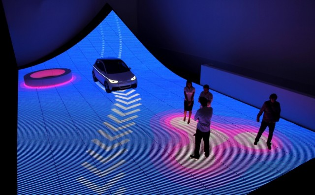 Audi Shows Off A Digital Interactive Roadway In Miami Video