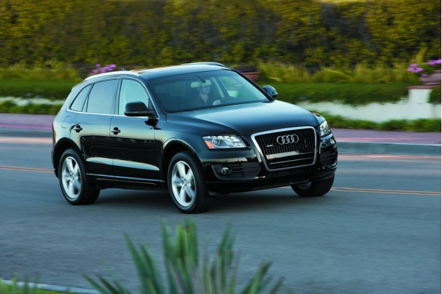 2010 audi a4 and q5 earn iihs top safety pick ratings. Black Bedroom Furniture Sets. Home Design Ideas