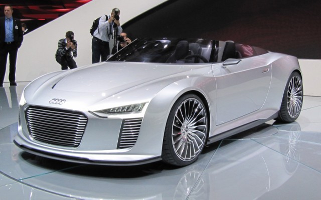 American Electric Vehicles Audis Drapes Are Off Etron Spyder Is - Audi e car