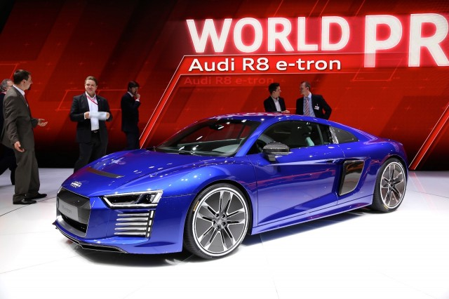2017 audi r8 e tron all electric sports car live photos from geneva motor show gallery 1. Black Bedroom Furniture Sets. Home Design Ideas