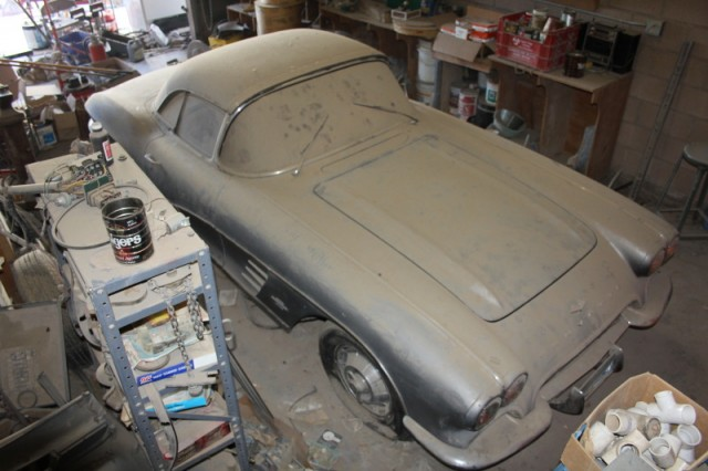 Epic barn find 1961 corvette parked since 1968 for Ebay uk motors classic cars
