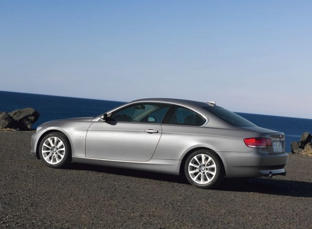 2009 bmw 3 series review ratings specs prices and. Black Bedroom Furniture Sets. Home Design Ideas