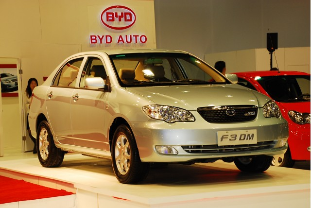 http://images.thecarconnection.com/med/byd-auto-f3dm-plug-in-hybrid-08_100192529_m.jpg