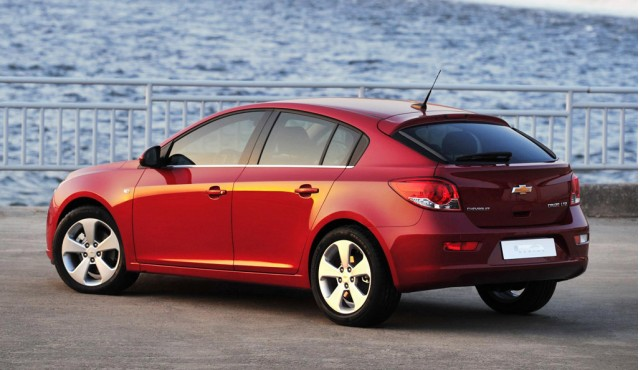 2016 chevrolet cruze to be shown this week hatchback model included