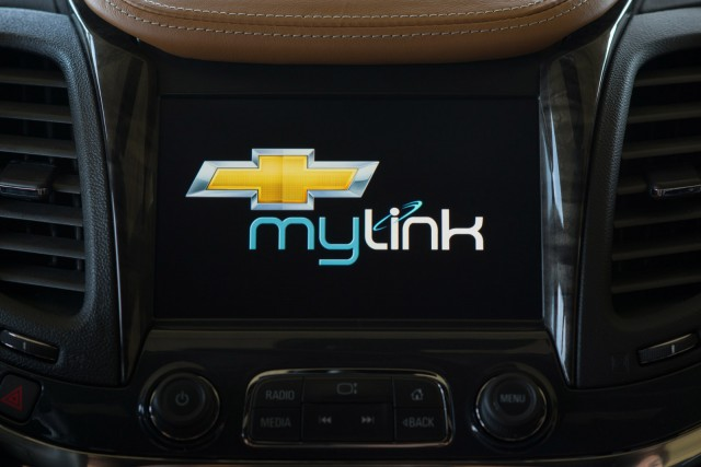 Chevy Mylink Software Update >> Chevy Announces Next-Gen MyLink Infotainment System: Video